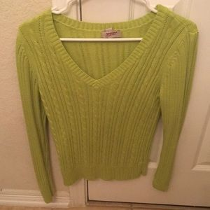 Long Sleeve Green V-Neck Sweater